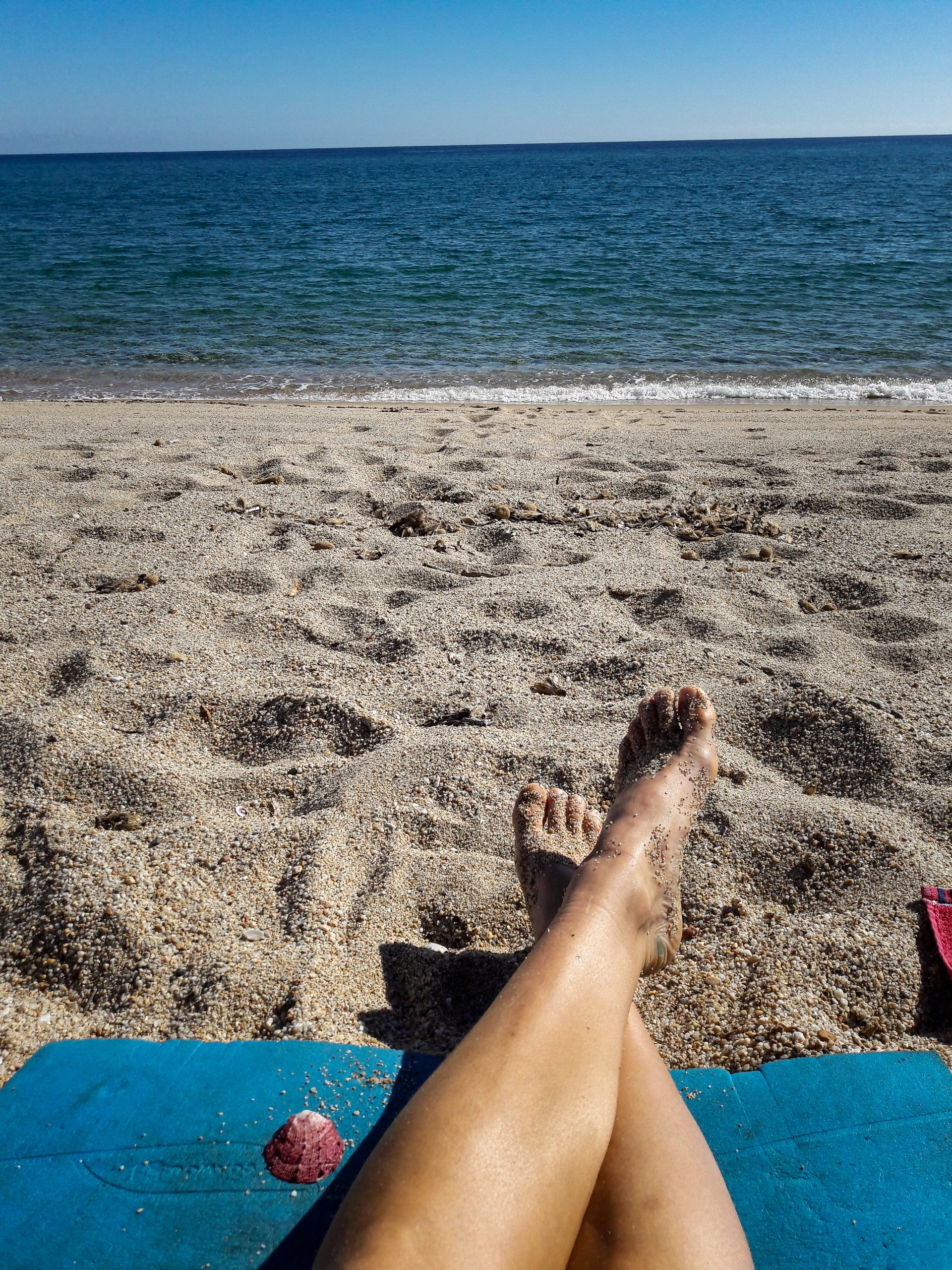 Füßr hochlegen am Strand